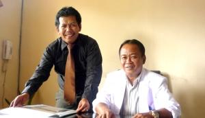 Senyum Direktur Eddy Tarukallo dan Samiun Achmad