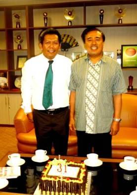 Samiun KC Panakukang dengan HM.Alwi Hamu Komisaris Utama PT.MEdia Fajar