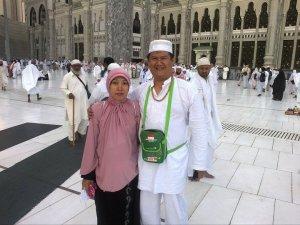 Bambang Taruno dan Sri Harjani di Mekah