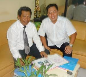 Samiun (berdasi) dan Hadi Suganda (Direktur PT.Sami Sari Rawuh