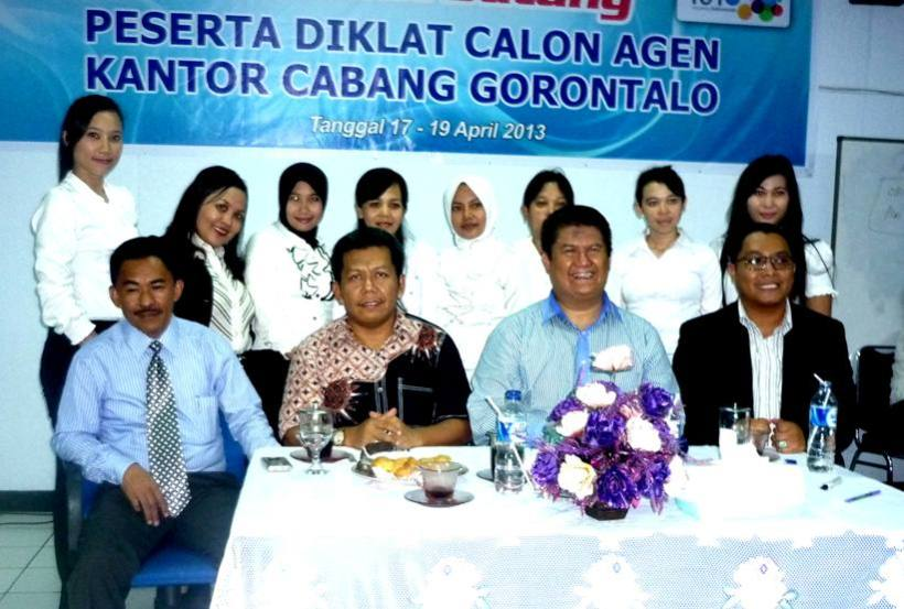 (Ki-Ka duduk: Agus Ham,Samiun,Bambang Taruno,Reza) foto bersama peserta diklat