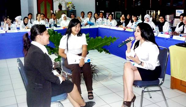 Simulation Role Play Djuwita (Agen) and  Milawati (client) Siskawati-(independent)