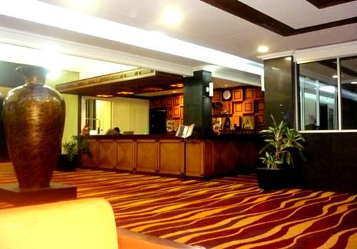 Suasana Loby Hotel SUTAN RAJA di Kolaka- 9 Mei 2013