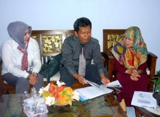 Bumiputera dan Team  di Ruang Direktur AKBID  Muhamadiyah Mks