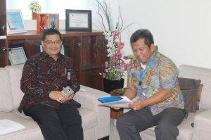 Berbincang Hangat Samiun dan Tri Heriadi( Kepala BPK.Wil.III MKs